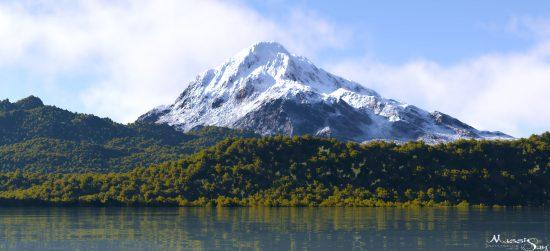 snowy-peak-massi-san